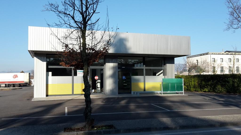 Negozio / Locale in affitto a Brugnera, 9999 locali, prezzo € 1.500 | Cambio Casa.it