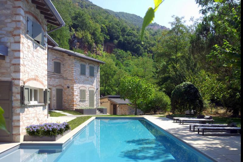Rustico / Casale in affitto a Seravezza, 10 locali, Trattative riservate | Cambio Casa.it