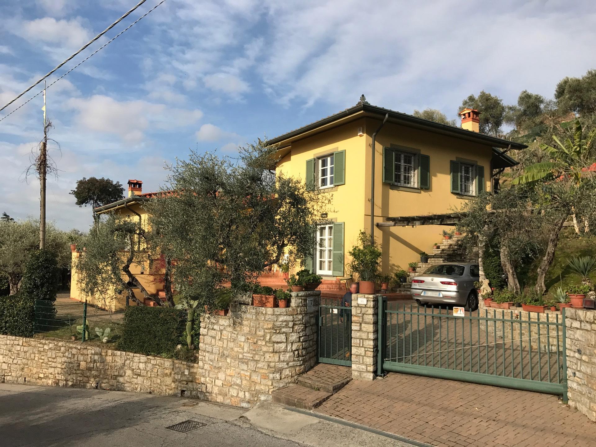 Villa in vendita a Massarosa, 8 locali, zona Zona: Massaciuccoli, Trattative riservate | Cambio Casa.it