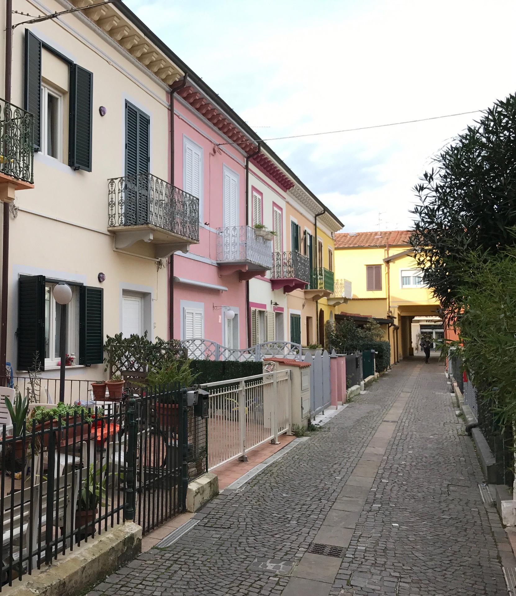 Soluzione Indipendente in vendita a Viareggio, 4 locali, zona Località: Centro, prezzo € 460.000 | Cambio Casa.it
