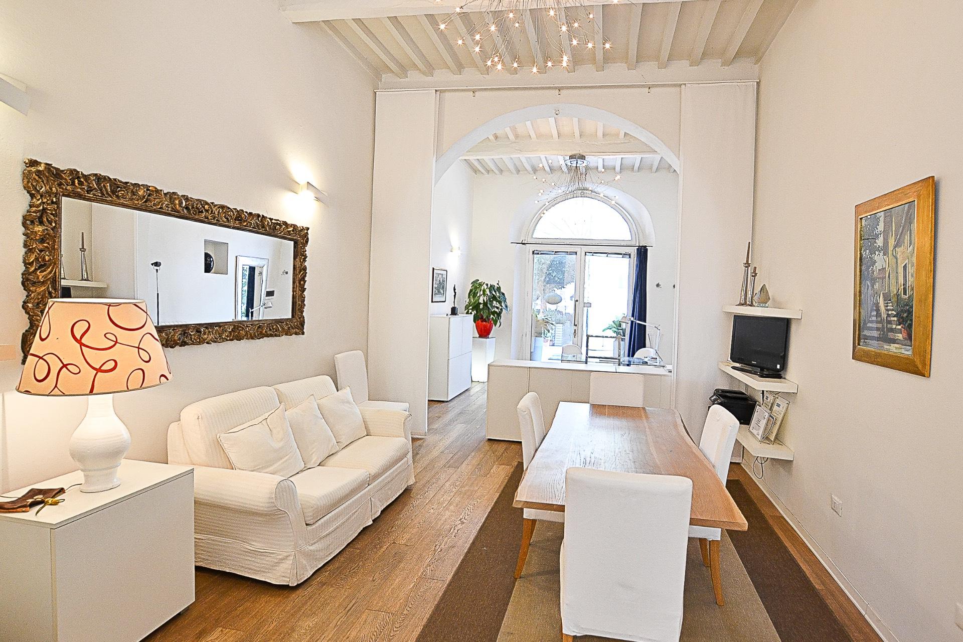 Appartamento in vendita a Seravezza, 5 locali, prezzo € 220.000 | CambioCasa.it