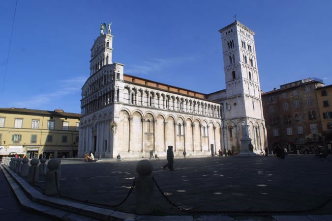 Bilocale Lucca Via Paladini 8