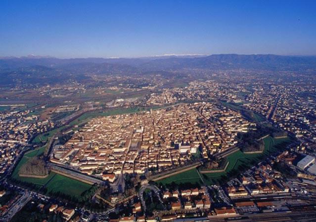 Bilocale Lucca Via San Paolino 9