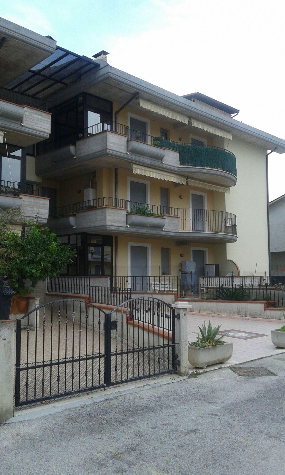 Appartamento in vendita a Martinsicuro, 3 locali, prezzo € 95.000 | Cambio Casa.it