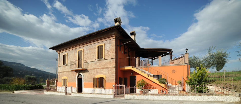 Villa in vendita a Ascoli Piceno, 8 locali, prezzo € 395.000 | CambioCasa.it