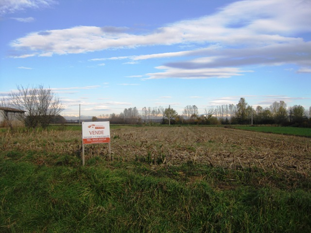 Terreno Edificabile Residenziale in vendita a Carlino, 9999 locali, prezzo € 90.000 | Cambio Casa.it
