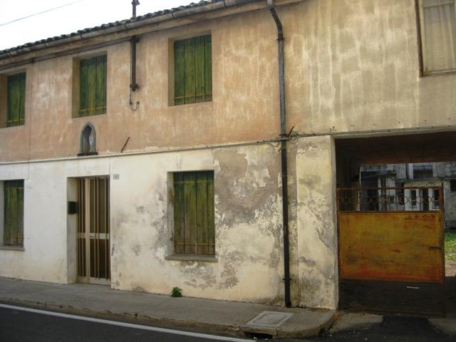 Soluzione Semindipendente in vendita a Gonars, 5 locali, prezzo € 55.000 | CambioCasa.it