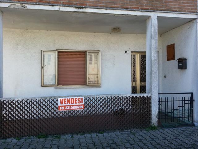 Appartamento in vendita a Marano Lagunare, 5 locali, prezzo € 59.000 | Cambio Casa.it