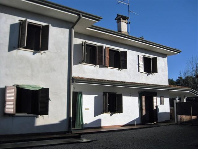 Soluzione Indipendente in vendita a San Giorgio di Nogaro, 10 locali, prezzo € 205.000 | Cambio Casa.it