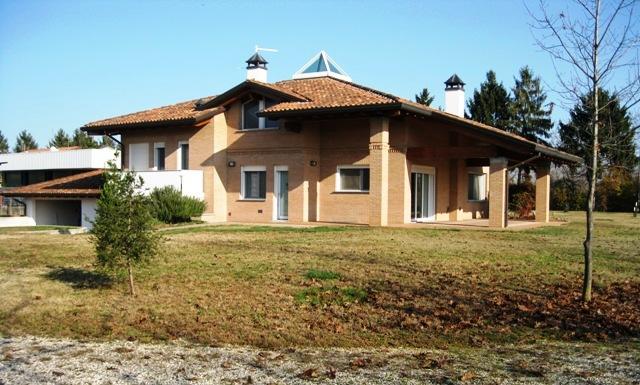 Villa in vendita a Gonars, 10 locali, prezzo € 370.000 | Cambio Casa.it