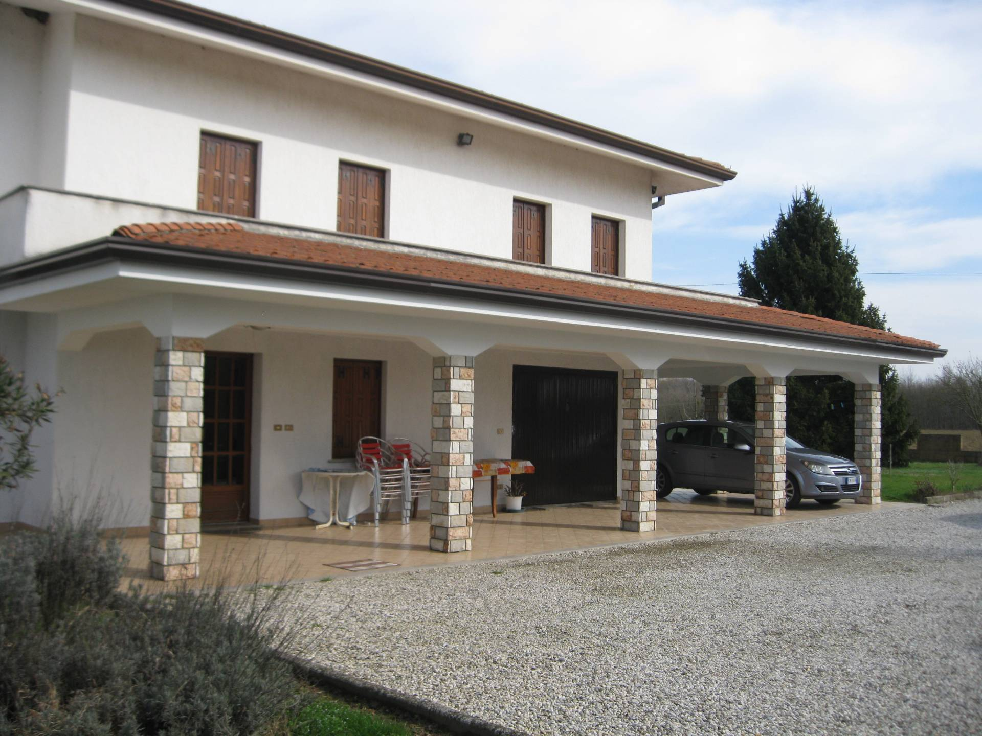 Villa Bifamiliare in Vendita a Porpetto
