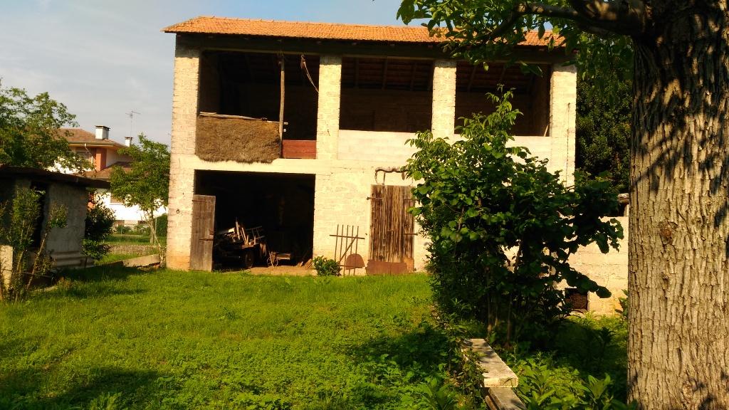 Rustico / Casale in vendita a Codroipo, 6 locali, prezzo € 120.000 | Cambio Casa.it