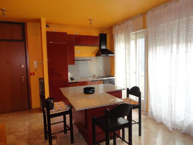 Appartamento in affitto a Udine, 3 locali, zona Località: CHIAVRIS, prezzo € 390 | Cambio Casa.it