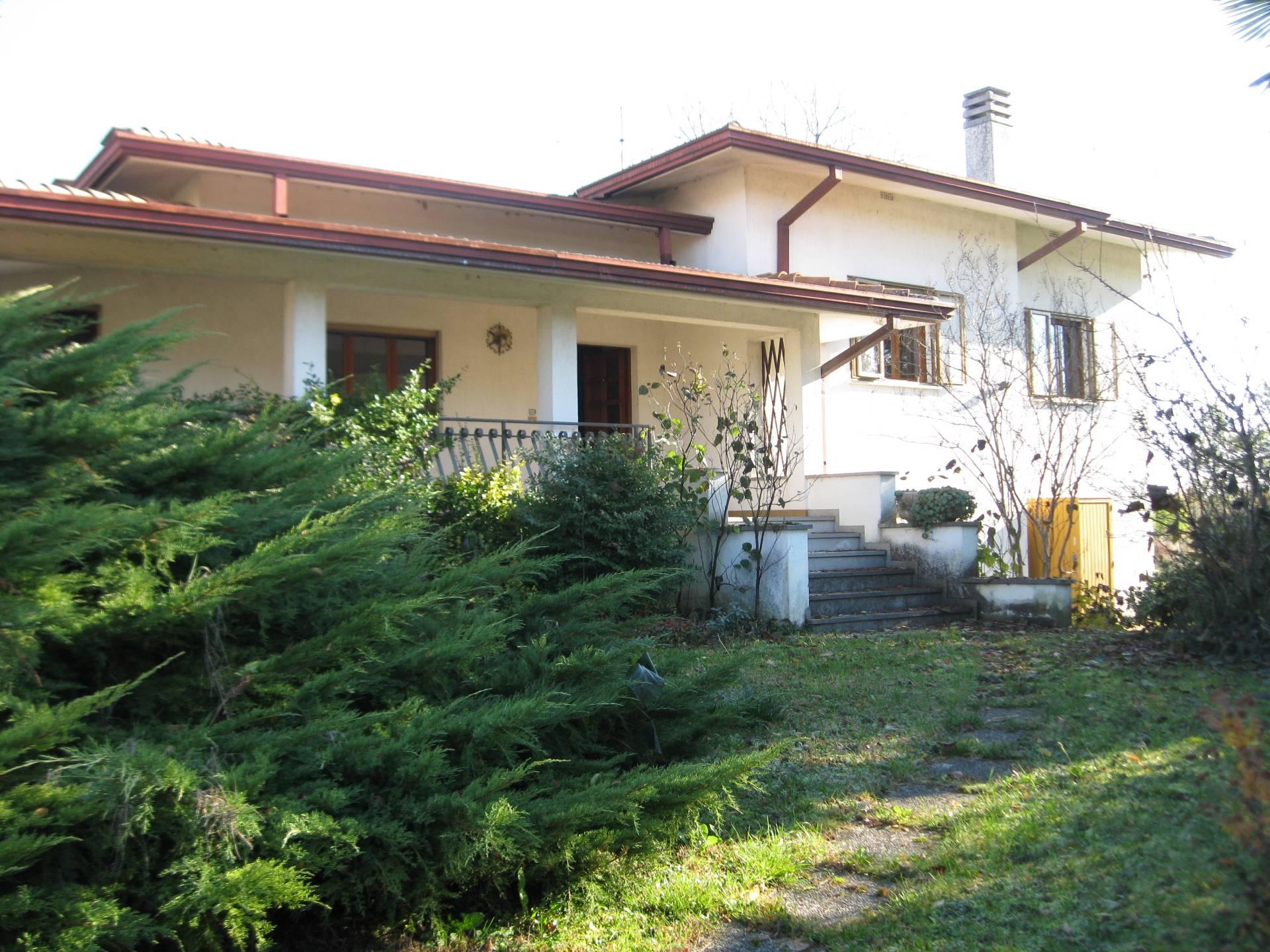 Soluzione Indipendente in vendita a Carlino, 8 locali, prezzo € 179.000 | Cambio Casa.it