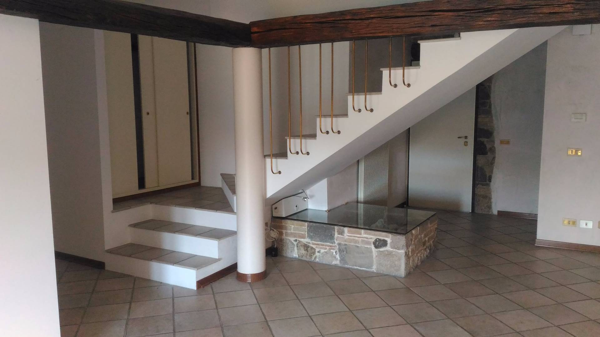 Appartamento in vendita a Tavagnacco, 5 locali, zona Località: FELETTO, prezzo € 210.000 | CambioCasa.it
