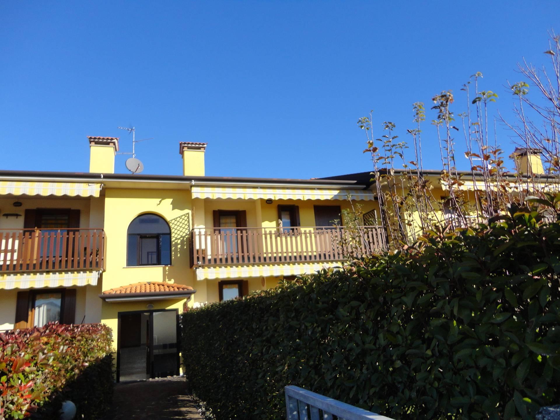 Appartamento in vendita a Buttrio, 6 locali, prezzo € 160.000 | CambioCasa.it