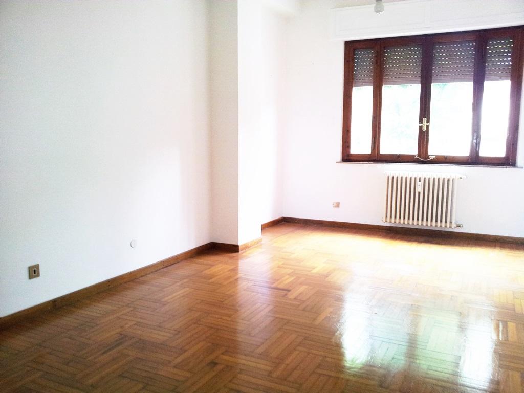 Appartamento in affitto a Ancona, 4 locali, zona Località: Q.Adriatico, Trattative riservate | Cambio Casa.it