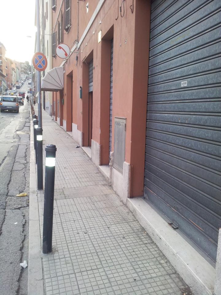 Negozio / Locale in Affitto a Ancona