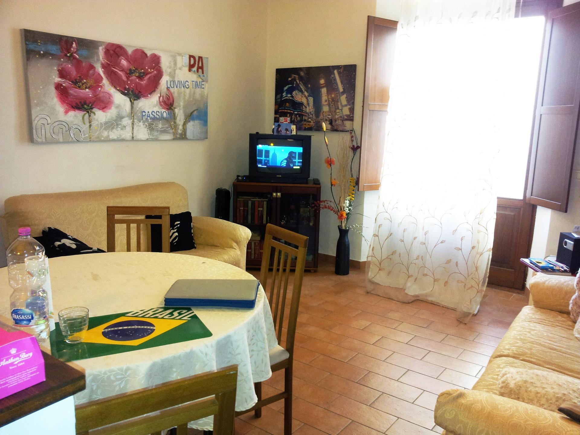 Appartamento in affitto a Ancona, 3 locali, zona Località: Centrostorico, prezzo € 450 | Cambio Casa.it