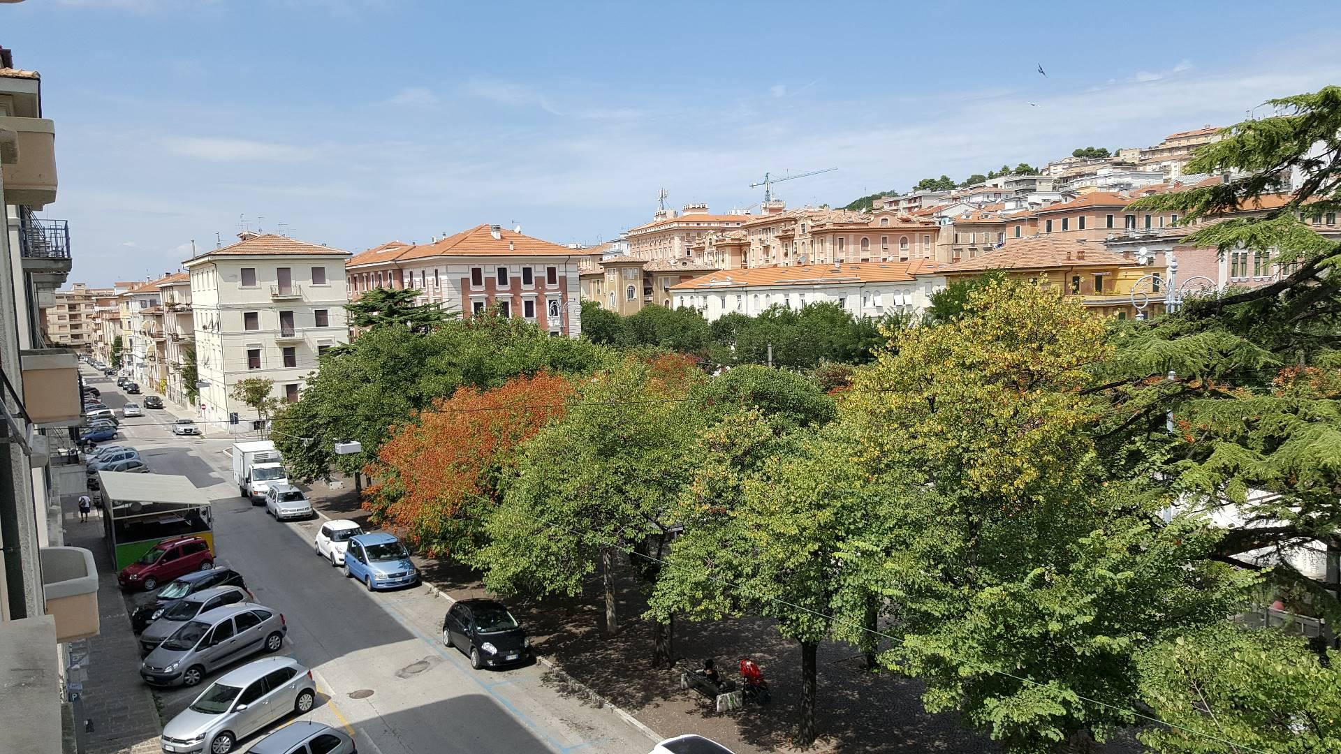 Appartamento in affitto a Ancona, 3 locali, zona Località: Q.Adriatico, prezzo € 600 | Cambio Casa.it