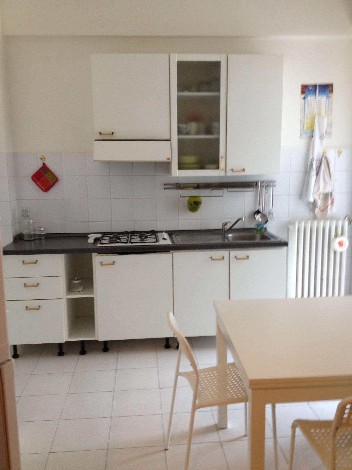 Appartamento in affitto a Ancona, 5 locali, zona Zona: Grazie, prezzo € 500 | CambioCasa.it