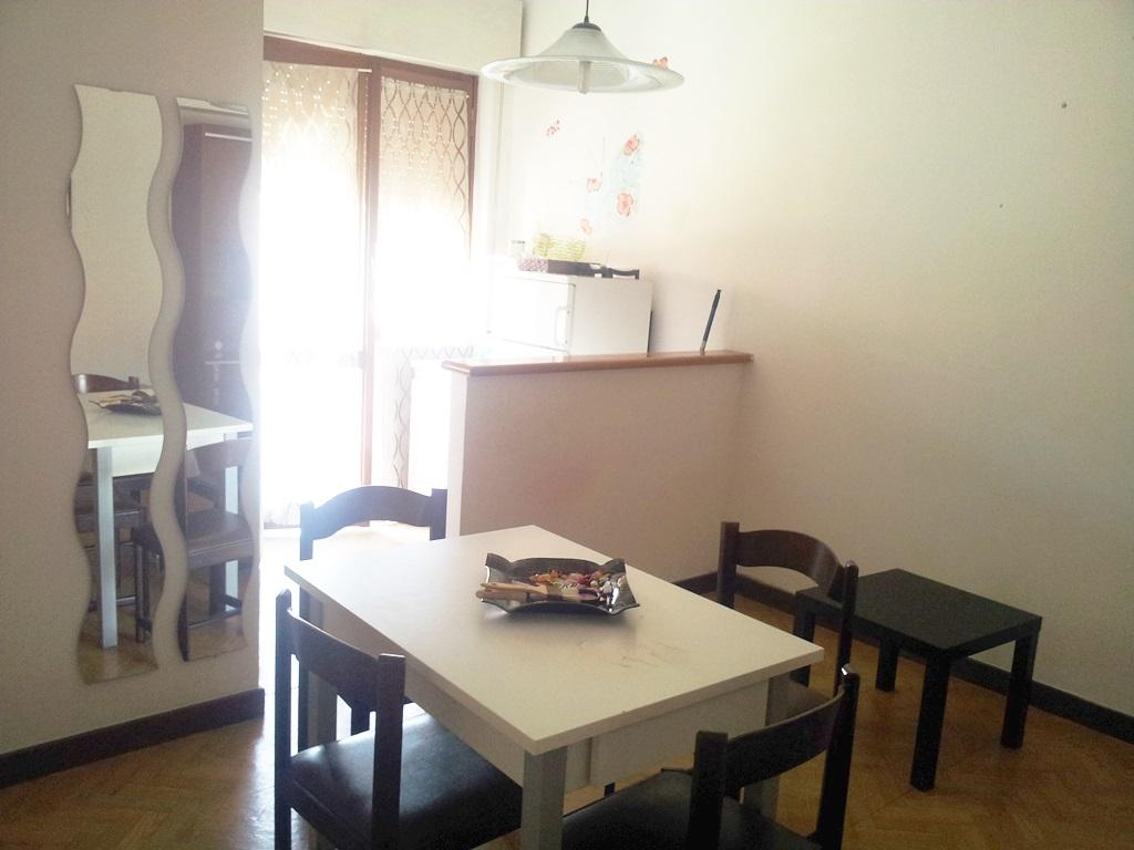 Appartamento in affitto a Ancona, 2 locali, zona Località: Q.Adriatico, prezzo € 400 | Cambio Casa.it