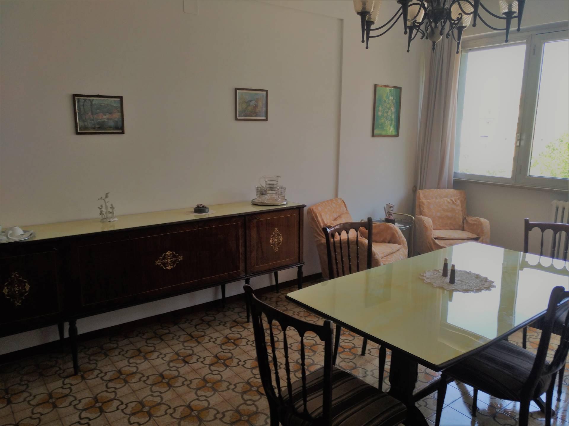 Appartamento in affitto a Ancona, 5 locali, zona Zona: Semicentro, prezzo € 500 | CambioCasa.it