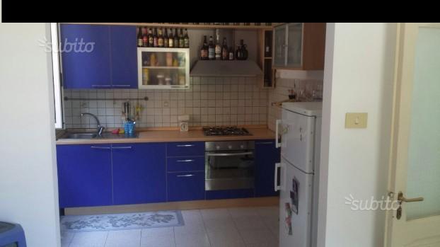 Appartamento in affitto a Ancona, 4 locali, zona Località: Q.Adriatico, prezzo € 600 | CambioCasa.it