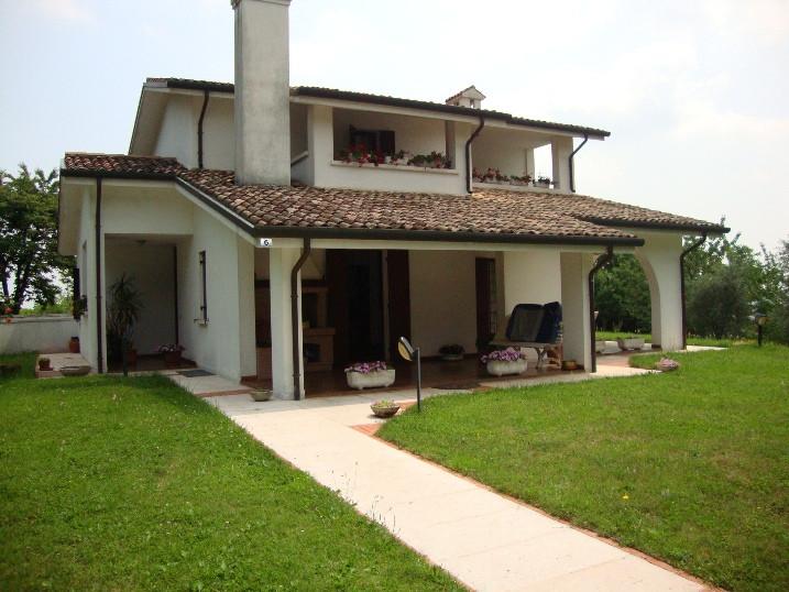 Villa in Vendita a Cornuda