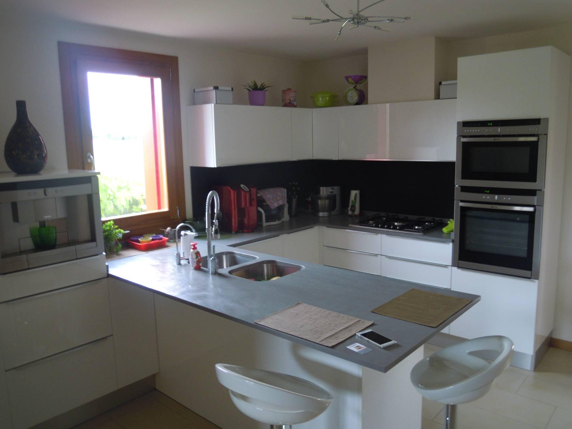 Villa in vendita a Montebelluna, 5 locali, zona Zona: Caonada, prezzo € 438.000 | Cambio Casa.it