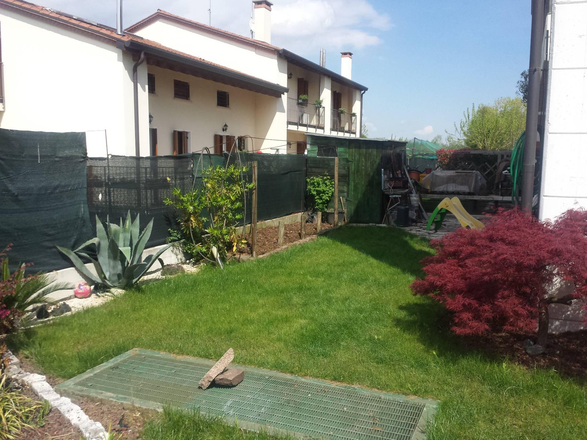 Appartamento in vendita a Trevignano, 3 locali, zona Zona: Signoressa, prezzo € 130.000 | Cambio Casa.it