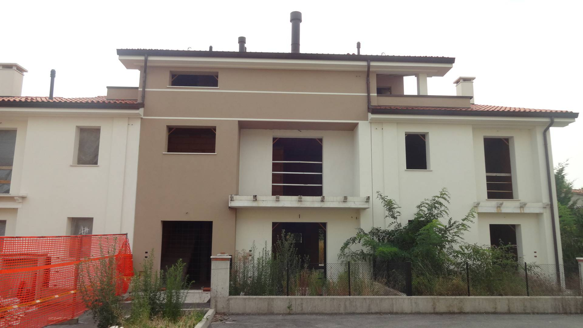 Villa Bifamiliare in Vendita a Trevignano