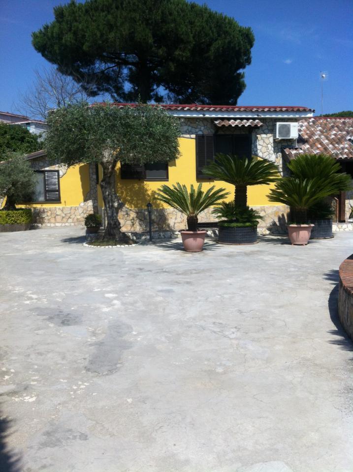 Villa in affitto a Pozzuoli, 4 locali, Trattative riservate | CambioCasa.it