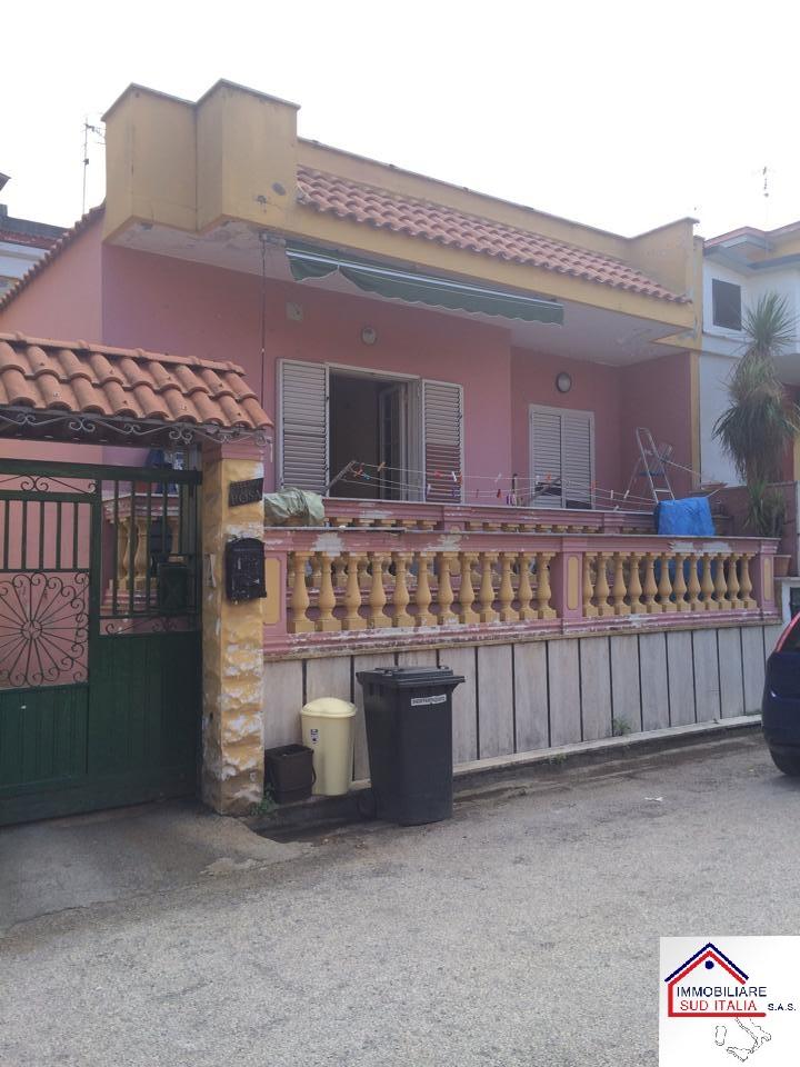 Villa in vendita a Giugliano in Campania, 3 locali, prezzo € 198.499 | Cambio Casa.it