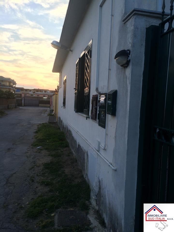Appartamento in vendita a Qualiano, 6 locali, Trattative riservate | Cambio Casa.it
