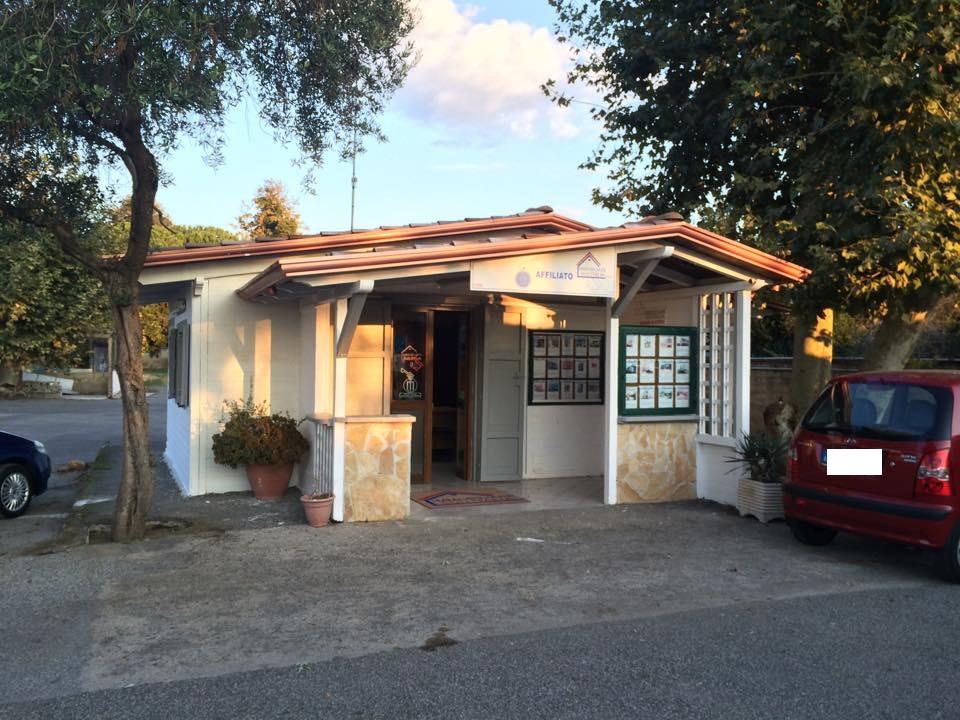 Negozio / Locale in vendita a Giugliano in Campania, 9999 locali, Trattative riservate | Cambio Casa.it