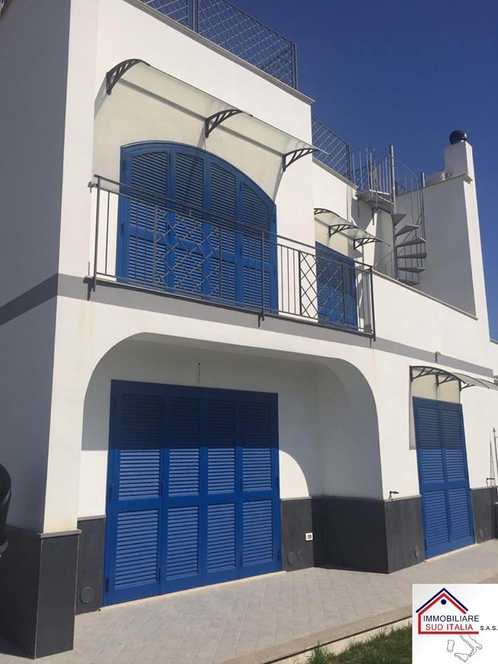 Villa in vendita a Giugliano in Campania, 5 locali, zona Località: LagoPatria, prezzo € 310.000 | Cambio Casa.it