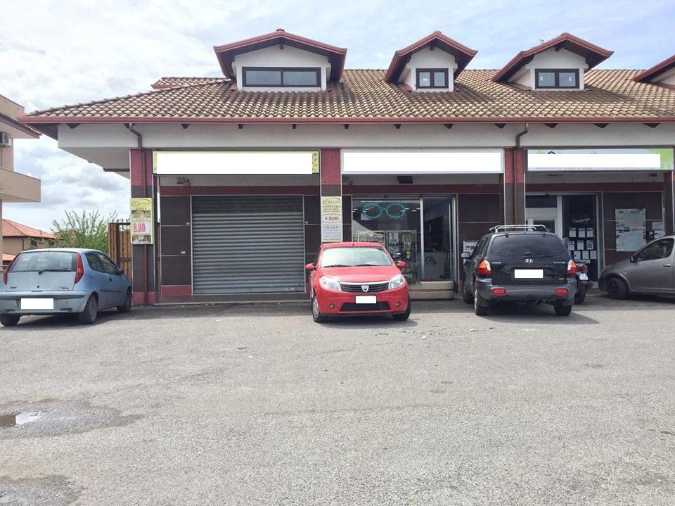 Negozio / Locale in vendita a Giugliano in Campania, 9999 locali, zona Zona: Varcaturo, prezzo € 290.000 | Cambio Casa.it