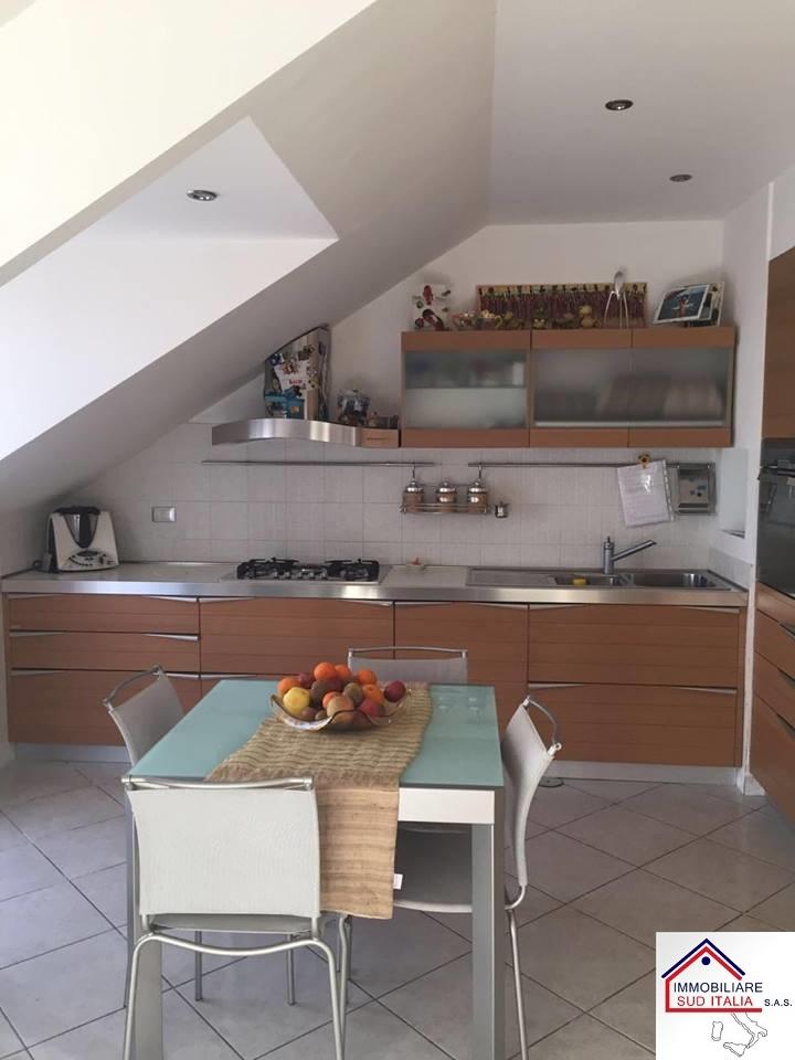 Attico / Mansarda in vendita a Giugliano in Campania, 3 locali, zona Località: LagoPatria, prezzo € 150.000 | Cambio Casa.it