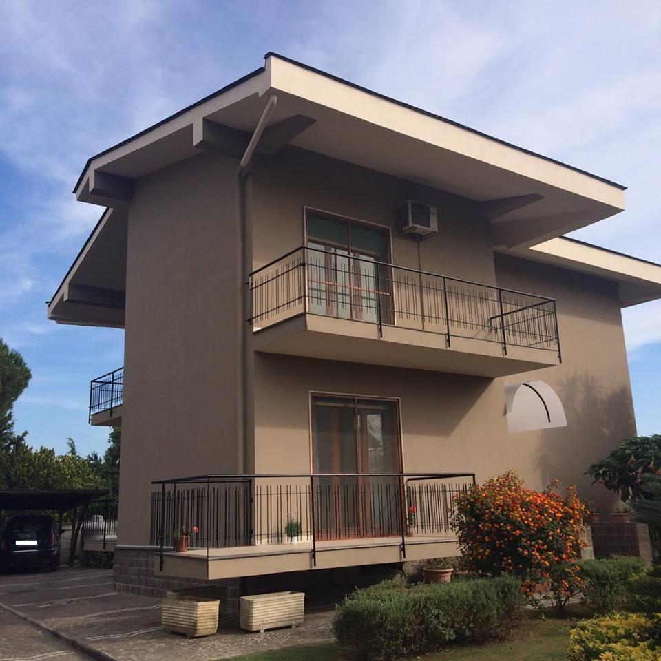 Villa in vendita a Giugliano in Campania, 4 locali, zona Località: LagoPatria, prezzo € 360.000 | Cambio Casa.it