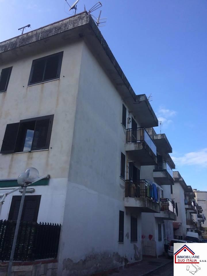 Appartamento in vendita a Castel Volturno, 4 locali, zona Località: VillaggioCoppola, prezzo € 68.000 | Cambio Casa.it