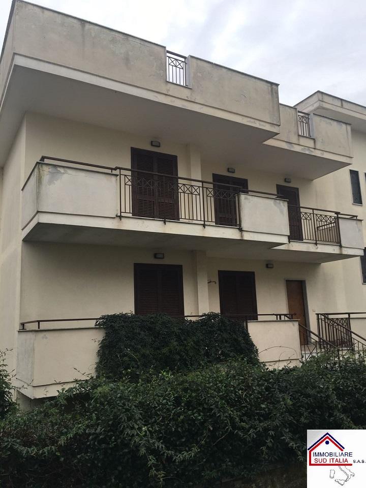 Villa in vendita a Giugliano in Campania, 5 locali, zona Località: LagoPatria, prezzo € 239.000 | Cambio Casa.it