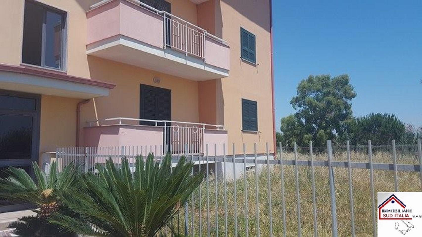 Appartamento in affitto a Castel Volturno, 3 locali, zona Località: IschitellaLido, prezzo € 600 | CambioCasa.it