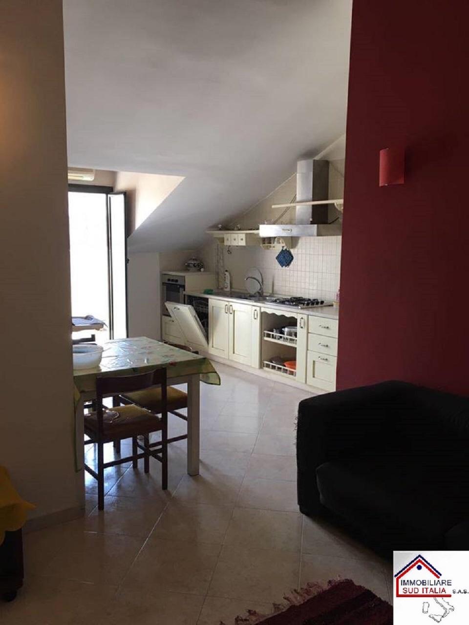 Attico / Mansarda in vendita a Giugliano in Campania, 3 locali, zona Località: LagoPatria, prezzo € 100.000 | CambioCasa.it