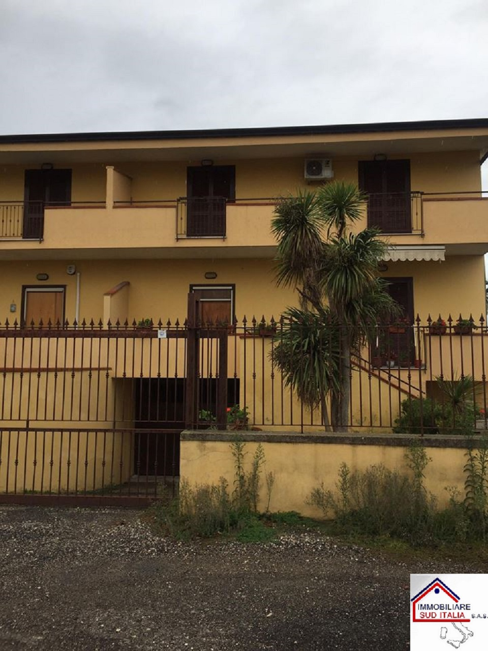 Villa in affitto a Giugliano in Campania, 4 locali, zona Zona: Varcaturo, prezzo € 800 | CambioCasa.it