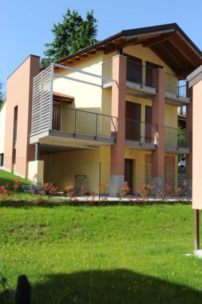 Villa in vendita a Bodio Lomnago, 5 locali, prezzo € 285.000 | Cambio Casa.it