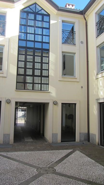 Negozio / Locale in vendita a Varese, 9999 locali, prezzo € 100.000 | Cambio Casa.it
