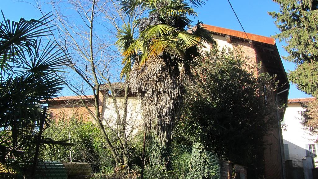 Rustico / Casale in vendita a Caronno Varesino, 10 locali, prezzo € 138.000 | Cambio Casa.it