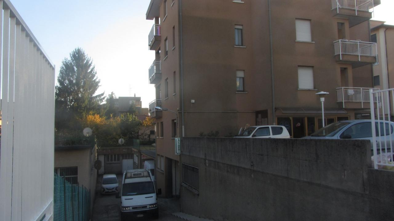 Magazzino in vendita a Varese, 9999 locali, zona Località: Bizzozero, prezzo € 220.000 | Cambio Casa.it