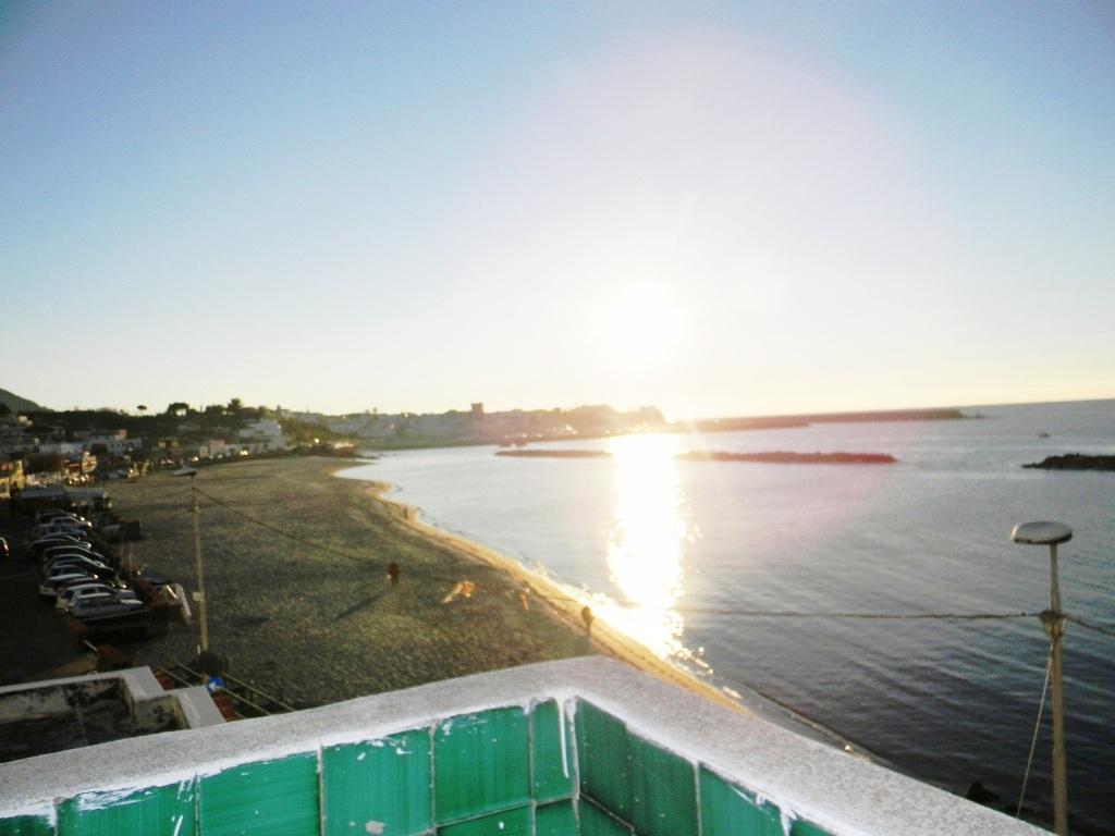 Appartamento in vendita a Forio, 6 locali, zona Località: Chiaia, prezzo € 400.000 | CambioCasa.it